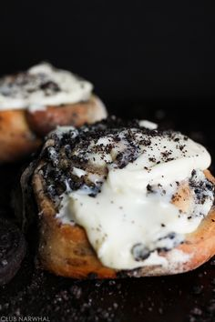 Oreo Cinnamon Rolls | Everyone's favorite breakfast treat gets dressed up with Oreos! Via Club Narwhal