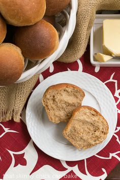 Whole Wheat Dinner Rolls | Soft, pillowy dinner rolls. Perfect for your holiday table!