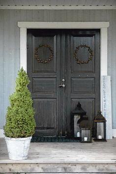 Scandinavian Chic House With Rustic And Vintage Features #frontdoor