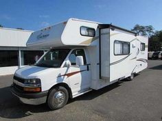 "2013 Used Coachmen Freelander 29QB Chevy Class C in Virginia VA.Recreational Vehicle, rv, 2013 Coachmen Freelander 29QB Chevy, 2013 Coachmen Freelander 29QB The Coachmen Freelander offers you all the ""Good Stuff"" novice RV'ers quickly appreciate and experienced RV'ers demand. The Freelander mantra is to provide more factory installed features than anyone else, unparalleled value and reliable design and quality at an affordable price. The Freelander will win you over with its right balance of…"