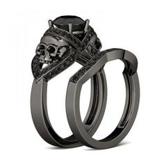 Jeulia CT Round Cut Created Black Diamond Skull Ring - I like that the 2 bands fit together Gothic Wedding Rings, Skull Wedding Ring, Gothic Engagement Ring, Silver Skull Ring, Gold Diamond Wedding Band, Skull Rings, Gold Ring, Black Gold Wedding Rings, Wedding Engagement