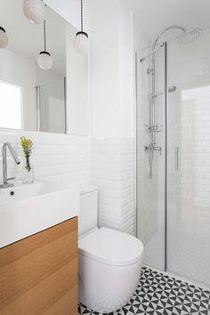 Vivir en 30 metros- Micasarevista Small Bathroom Interior, Bathroom Layout, Minimal Bathroom, Modern Bathroom, Casa Magna, Decoration Chic, Appartement Design, Kitchen Room Design, Cozy Nook
