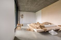 Tile of Spain manufacturer Cicogres presents Ceiba Collection at Coverings 2018 Parquet Texture, Imitation Parquet, Space Interiors, Design Your Home, Modern Spaces, Minimalist Decor, Dream Bedroom, Interiores Design, Modern Decor