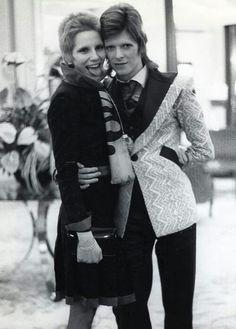 1973 - David Bowie and his ex-wife Angie David Bowie, Angie Bowie, Mr And Mrs Jones, David Jones, Playboy, Ziggy Played Guitar, Moonage Daydream, Bowie Starman, Crazy Ex Girlfriends