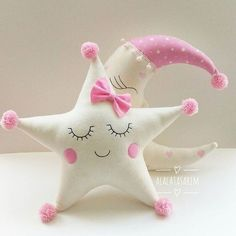 Amazing Home Sewing Crafts Ideas. Incredible Home Sewing Crafts Ideas. Cute Pillows, Fluffy Pillows, Baby Pillows, Kids Pillows, Baby Crafts, Felt Crafts, Diy And Crafts, Crafts For Kids, Sewing Toys