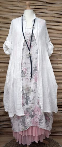 """50% Linen, 50% Cotton. Lagenlook Layering. Linen/Cotton Quirky Boho Jacket/Coat With 2 Pockets. Soft, Quality, Wear At All Season. Armpit to Armpit: 27"""". Length: 45"""". the picture may not reflect the actual colour of the item. 