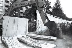 Demolition of the wall, Berlin 1990