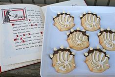 Catholic Cuisine: St. Francis and the Wolf ~ Wolf Paw Cookies