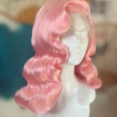 Ombre hair: the most beautiful color gradients and if we dared ombre hair? Wig Styles, Curly Hair Styles, Natural Hair Styles, Vintage Hairstyles, Pretty Hairstyles, Ombre Hair, Pink Hair, Hair Reference, Hair Laid