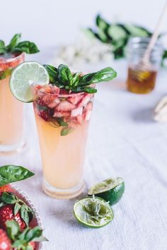 Honey-Sweetened Limeade w/ Strawberries & Basil - Non-Alcoholic Drinks To Refresh Your Summer Non-Alcoholic Drinks for Summer that will let you unwind without the hangover. Find some of the best non-alcoholic party drinks and recipes for mocktails. Summer Cocktails, Cocktail Drinks, Cocktail Recipes, Party Drinks, Drambuie Cocktails, Rumchata Cocktails, Lemonade Cocktail, Colorful Cocktails, Cocktail Desserts
