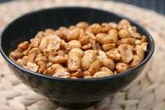 Since it's another big football weekend ahead, and I am entertaining for the Alabama/LSU game, I thought I would try a new peanut snack recipe. I'm hooked on chipotle seasoning, and this simple Chipotle Spiced Peanuts is a winning recipe. Peanut Recipes, Snack Recipes, Chili Spices, Legumes Recipe, Spiced Nuts, Roasted Nuts, Game Day Food, Savory Snacks, Side Recipes