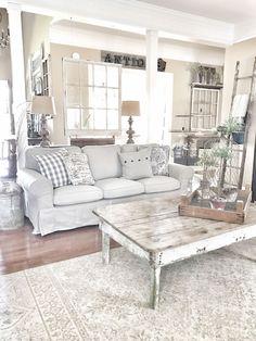 Beautiful White Shabby Chic Living Room Decoration Ideas 22 #shabbychicfurnitureideas