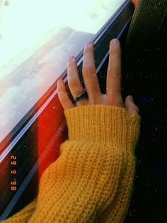68 Ideas Skin Aesthetic Body For 2019 Hand Photography, Girl Photography Poses, Tumblr Photography, Creative Photography, Instagram Dp, Profile Pictures Instagram, Instagram Story Ideas, Flowers Instagram, Nature Instagram