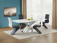 Chick, contemporary and practical the Sandor 160 cm white high gloss extending dining table is a stunning centrepiece for any dining room. Dining Furniture Sets, Furniture For You, Living Room Furniture, Dinning Room Tables, Table And Chairs, Dining Bench, Modern Extendable Dining Table, Laque, Floor Chair