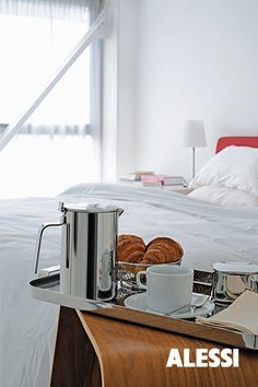 Adagio - thermo insulated jug, Kristiina Lassus, 2010 #alessi #design  #alessibreakfast