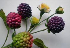 Sugar paste blackberries More