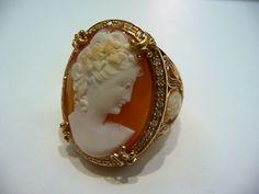 Anello in oro con antico cammeo e diamanti #jewelry#cammeo#ring