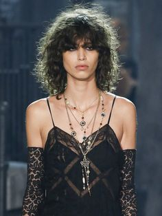 Creoles, sautoirs, chokers: Our jewelry favorites at Chanel Paris-Rome | Vogue Paris