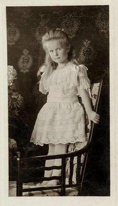 Grand Duchess Anastasia Nikolaevna of Russia, 1906