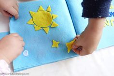Creation: Sun, Moon & Stars - No Sew Quiet Book for Toddlers Felt Busy Bag, Busy Bags, Felt Letters, Sun Moon Stars, Toddler Books, Diy Toys, Diy For Kids, Homeschool, Sewing