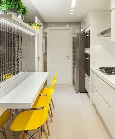 Get ideas for the most updated fashion and home improvement from the experts here. You can get many inspirations about home improvement too. Decor, House Design, Kitchen Design Small, Yellow Kitchen, Home Decor Bedroom, Homey Kitchen, Kitchen Decor, Home Kitchens, Kitchen Design