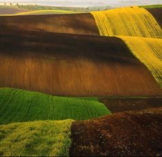 The Rolling Hills Of Tuscany And Moravia By Photographer Marcin - The mesmerising beauty of moravian fields photographed by marcin sobas