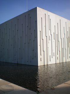laufendes Wasser in Stein: Wasserkunst Kaltehofe, Hamburg