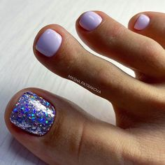 Toenail design is important as your fingernails, especially during the spring and summer. we've collected 42 trending toenail art designs for achieving an impeccable toenail design. Gel Toe Nails, Glitter Toe Nails, Simple Toe Nails, Pretty Toe Nails, Cute Toe Nails, Summer Toe Nails, Sparkle Nails, Toe Nail Art, Fancy Nails