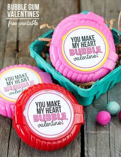 28 Printable Valentines for the Kids - nadineanette - 28 Printable Valentines for the Kids You Make My Heart Bubble Bubble Gum Valentine plus 28 Printable Valentines for the Kids - fun printables for homemade valentines on Frugal Coupon Living. Valentines Day Food, Valentine Gifts For Kids, Homemade Valentines, Valentines Day Decorations, Valentine Day Crafts, Valentine Ideas, Printable Valentine, Valentine Box, Valentine Wreath