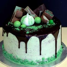 The Choc Mint drip cake is made with three layers of delicious chocolate cake, sandwiched with a smooth peppermint infused cream, and topped with a silky chocolate ganache drip. Each cake is topped with a range of choc mint decorations! Bithday Cake, My Birthday Cake, 60th Birthday, Tasty Chocolate Cake, Mint Chocolate, Hulk Cakes, Mint Cake, Mint Ice Cream, Gateaux Cake