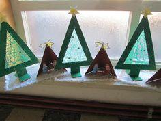 Gietjes Corner: Kerstwerkje uit de tweede kleuterklas Christmas Craft Fair, Christmas Treats, Christmas Projects, Winter Christmas, Christmas Cards, Kids Art Class, Art For Kids, Diy And Crafts, Crafts For Kids