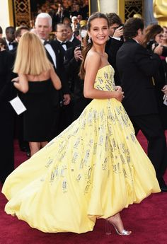 Alicia Vikander from Oscars 2016 Candid Moments The Oscar winner looks very much like a Disney princess in this Louis Vuitton number!