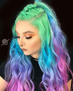 Stunningly Styled Unicorn Hair Color Ideas – My hair and beauty Cute Hair Colors, Pretty Hair Color, Hair Dye Colors, Purple And Green Hair, Unicorn Hair Color, Unicorn Makeup, Pelo Multicolor, Creative Hair Color, Shot Hair Styles