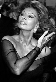 Sofia Loren: NOBODY had aged as beautifully as she has! Nadie ha embejecido tan bien como Sofia Loren