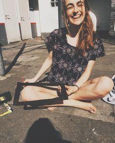 She's my little sunshine right now  #scouttee#grainlinestudio#sewing#tshirt#scoutcestlecasdeledire#sun#sun#sun#sun by lauweded