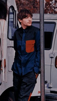 Louis Tomlinsom, Louis And Harry, Sassy Louis, Arno, Foto One, L Wallpaper, Louis Williams, One Direction Pictures, 1d And 5sos