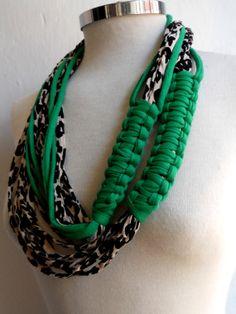 collar trapillo verde por corteygrif en Etsy, $48.20