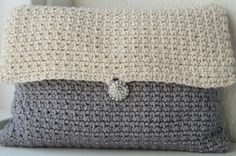 """Art Deco Clutch My mother pitched me a couple of weeks ago, that she needed some kind of little bag or pouch thing: """"I need a little bag for the car keys and my wallet, when I go to the physical t..."""
