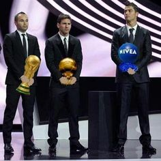 La auténtica foto de la entrega de premios de la UEFA