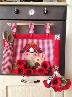 """I would make it and hang this in my Oven Handle. Don't know about the """"Spoons"""" Sewing Crafts, Sewing Projects, Projects To Try, Sweet Cow, Diy Y Manualidades, Patch Quilt, Deco Table, Mug Rugs, Diy And Crafts"""