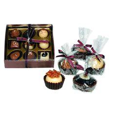 Liefhebbers van chocolade houden gegarandeerd ook van dit originele cadeau! Deze negen kaarsen lijken sprekend op bonbons en dat komt niet alleen door de bonbonverpakking. Steek je een kaarsje aan, dan stijgt namelijk ook de geur van chocolade op. Een zoet en romantisch cadeau voor haar!