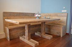 Stoere tafel van gebruikt steigerhout | Eettafel met hoekbank | 'Groepsknuffel' VanStoerHout