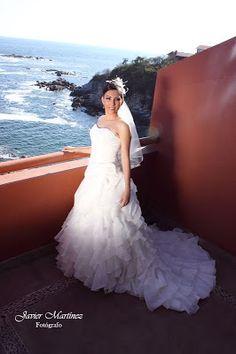 Vestido de novia ideal para tu boda en playa por Bodas Huatulco
