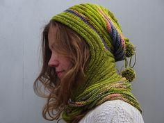 Шапка-шарф-хомут Красиво и, наверное, удобно на зиму. Все закрыто, нигде не дует, тепло! Free knitting pattern for hooded cowl Howl pattern by StevenBe