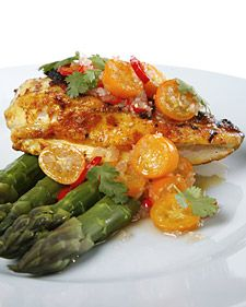 This recipe for kumquat-lemongrass dressing goes perfectly with grilled chicken, two recipes courtesy of chef Jean-Georges Vongerichten. Kumquat Recipes, Elegant Appetizers, Holiday Dinner, Christmas Dinners, Christmas Treats, Grilled Chicken Recipes, Dressing Recipe, Lunches And Dinners, Weeknight Dinners