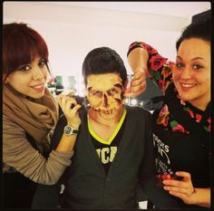 ¡Estamos con el #maquillaje #FX de deformaciones en la escuela!