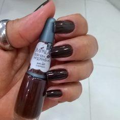 Hoje foram feitas pela minha manicure Daiana. Amei!!!!  #unhasdasemana #emoff #meussegredos #impala #marrom #outonoeinverno | SnapWidget
