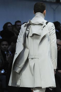 Costume National Homme A/W 2012 La Mode Masculine, Lingerie Party, Fashion Details, Fashion Design, Inspiration Mode, Well Dressed Men, White Outfits, Minimal Fashion, Fashion Show