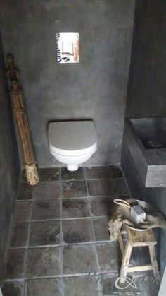 Toilet | sober