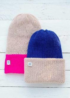 d4f615370ee  Beanies in Pink and Blue by KYMA  www.facebook.com kymadesign